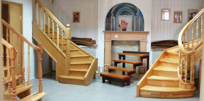 Лестницы на второй этаж, балясины, двери, погонаж из